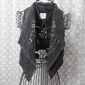 Forever 21 xxi distressed riveted vest small FIRM
